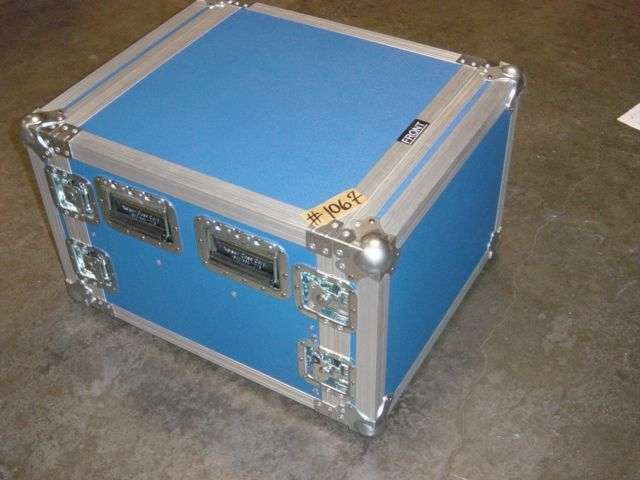 Print # 1067 - Custom case for a rack w/ latches By Nelson Case Corp