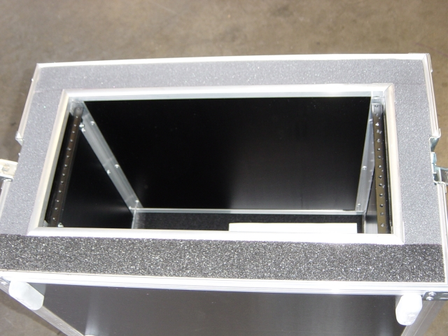 Print # 4175 - Custom case for 5 Space Double Rack 17 Inch Deep with 2 inch foam. By Nelson Case Corp