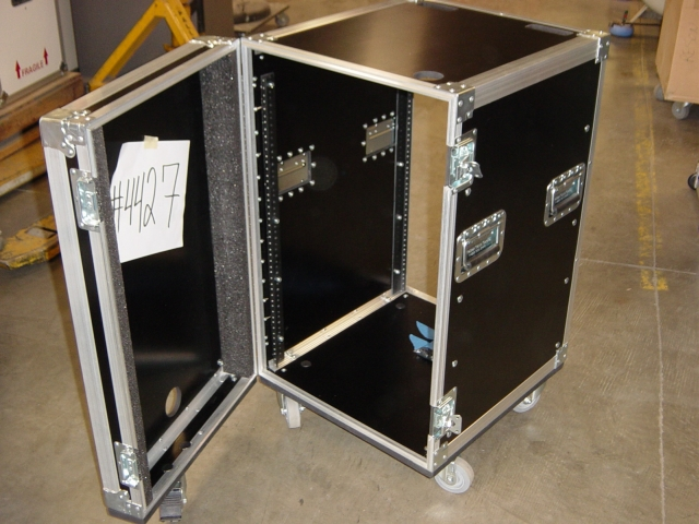 Print # 4427 - Custom case for 16 RU Rack By Nelson Case Corp