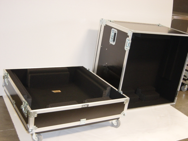 Print # 4575 - Custom case for Christie DS + 8 K Projector with stocking frame By Nelson Case Corp
