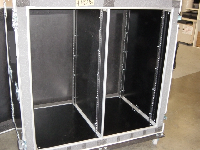 Print # 4646 - Custom case for 21 Space Double Rack By Nelson Case Corp
