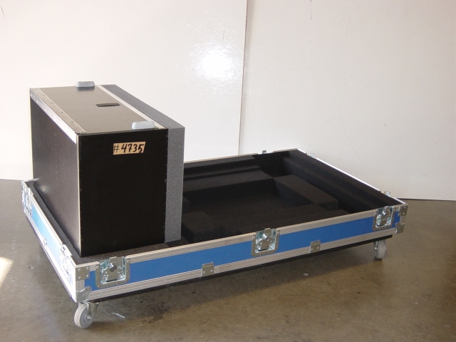 Print # 4735 - Custom case for Barco FLM-HD18 Projector By Nelson Case Corp