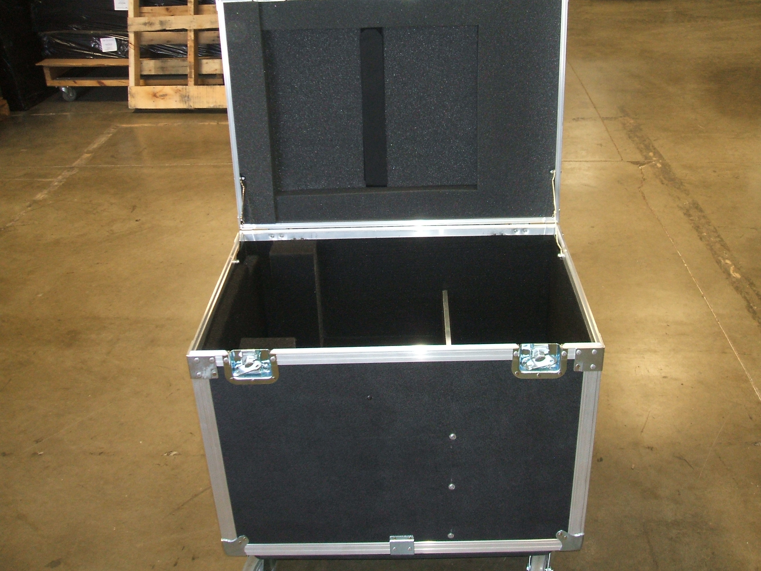 Print # 5951 - Custom Road Case for ARRI M18 Lamp Head Kit By Nelson Case Corp