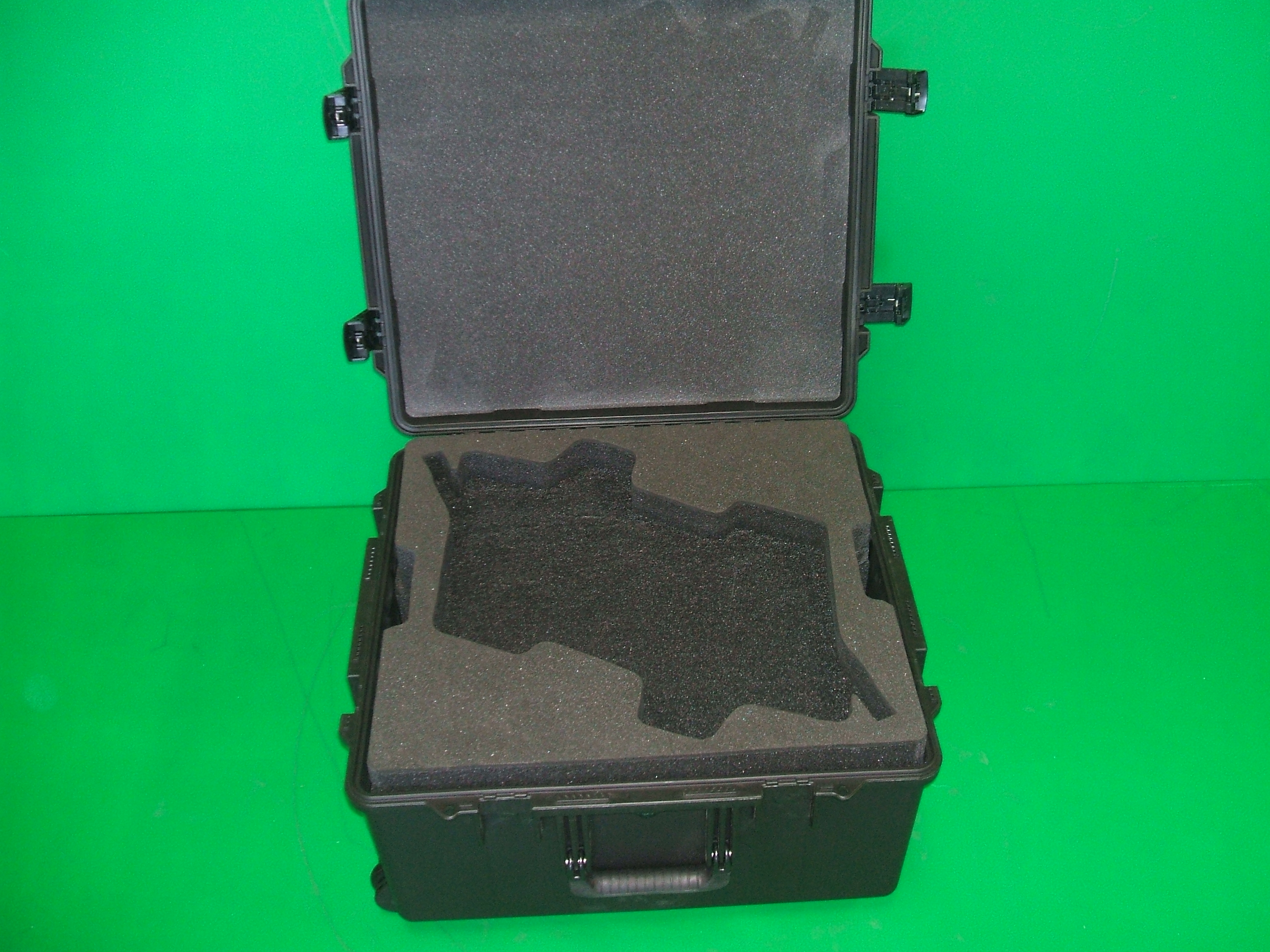 Print # 6004 - Pelican iM2875 Case with Custom Foam Insert for (2) Shure UA8700USTV Antennas with Cable Compartment Below By Nelson Case Corp