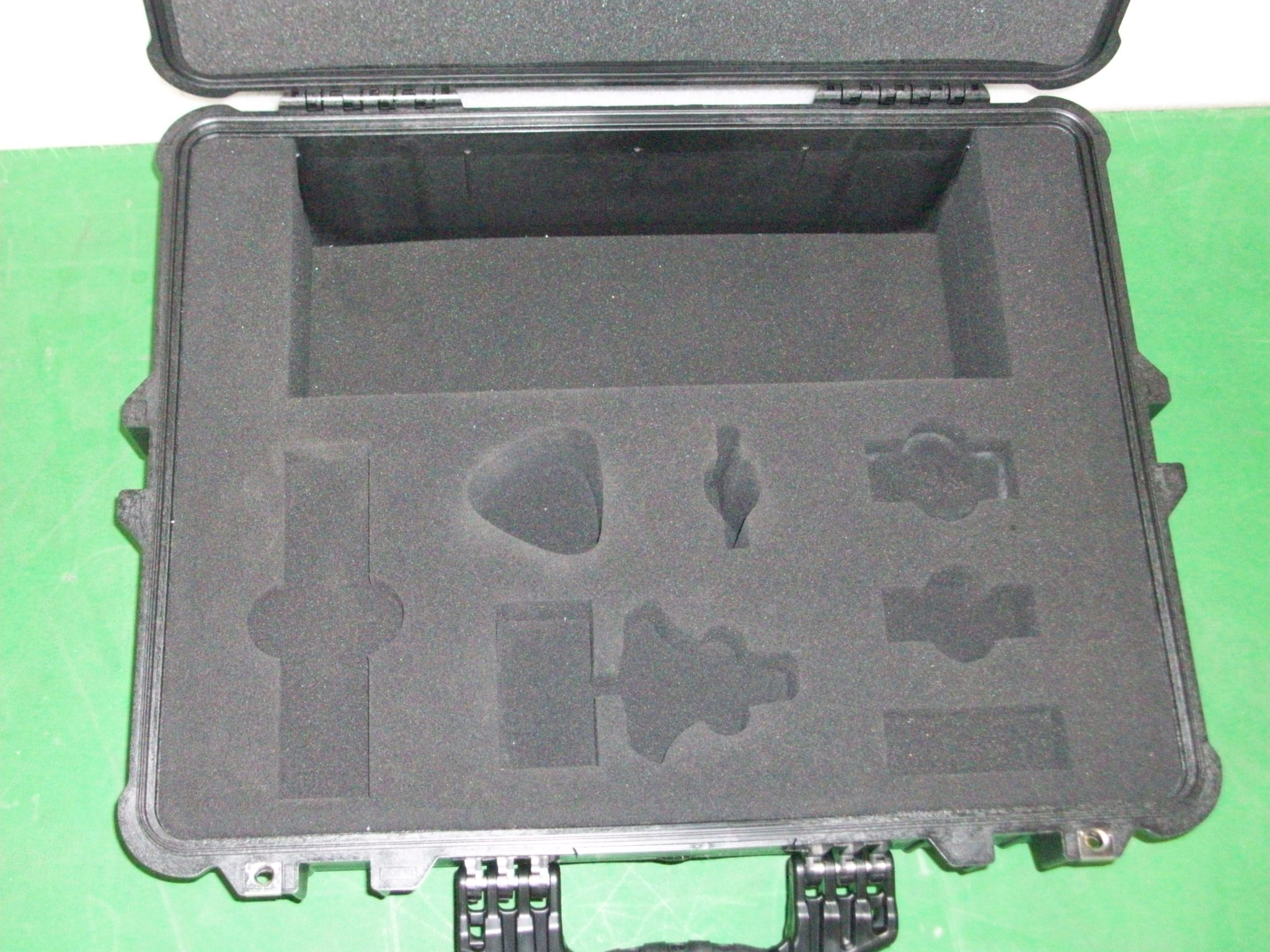 Print # 6471 - Pelican 1600 Case w/ Custom Foam Insert for (1) Infra-Red Wireless Remote Control. By Nelson Case Corp