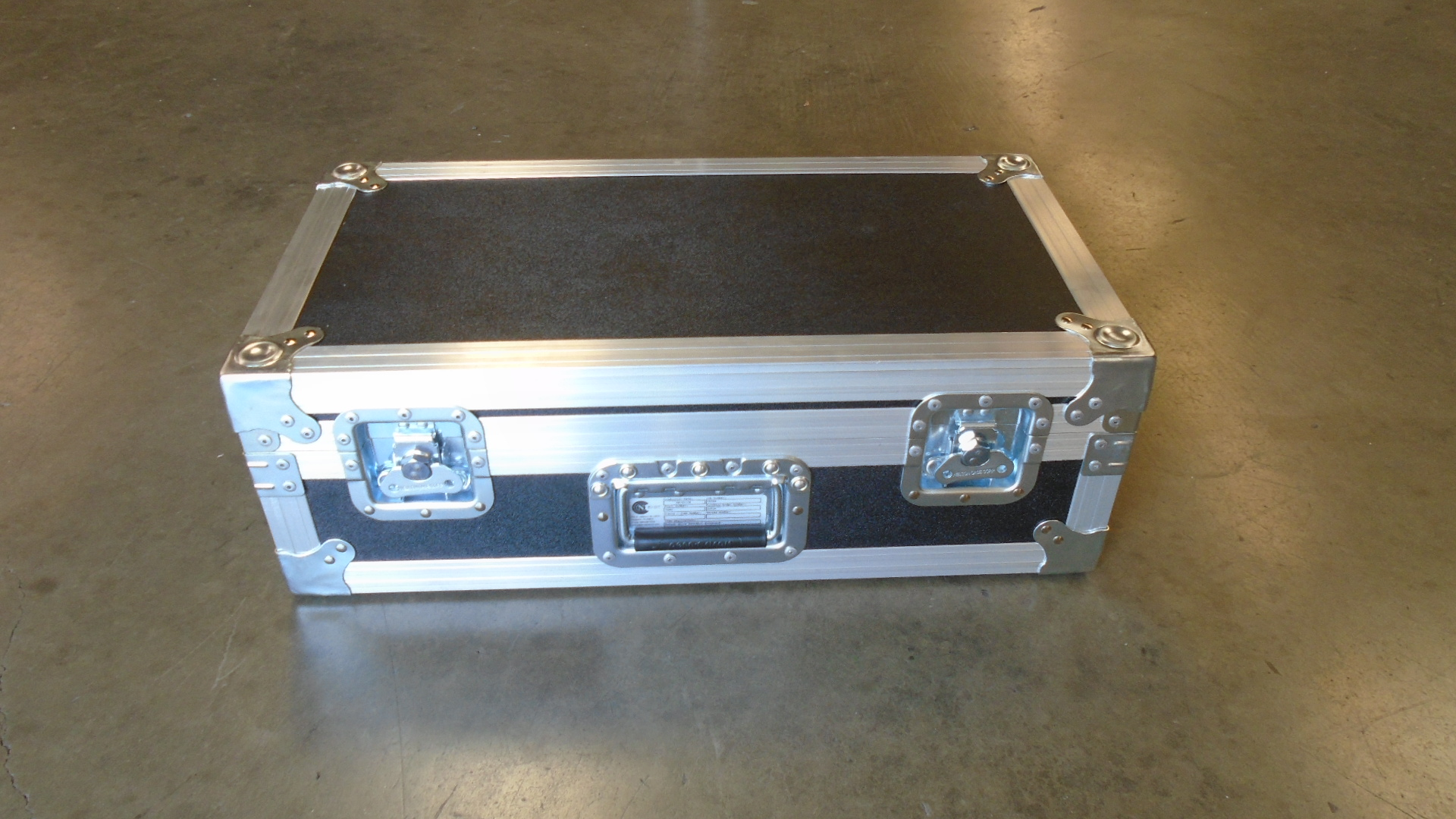 Print # 7660 - Custom Road Case for 2-Pack Shure MX418D/C Gooseneck Wireless Microphone Kit with Base Attached By Nelson Case Corp