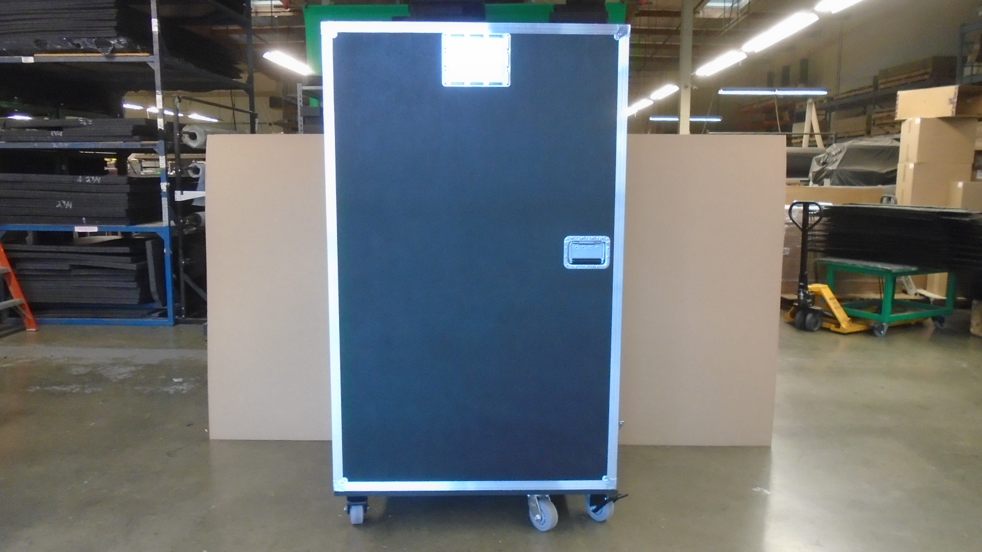 Print # 7689 - Custom Road Case for Lighting Tree Kit By Nelson Case Corp