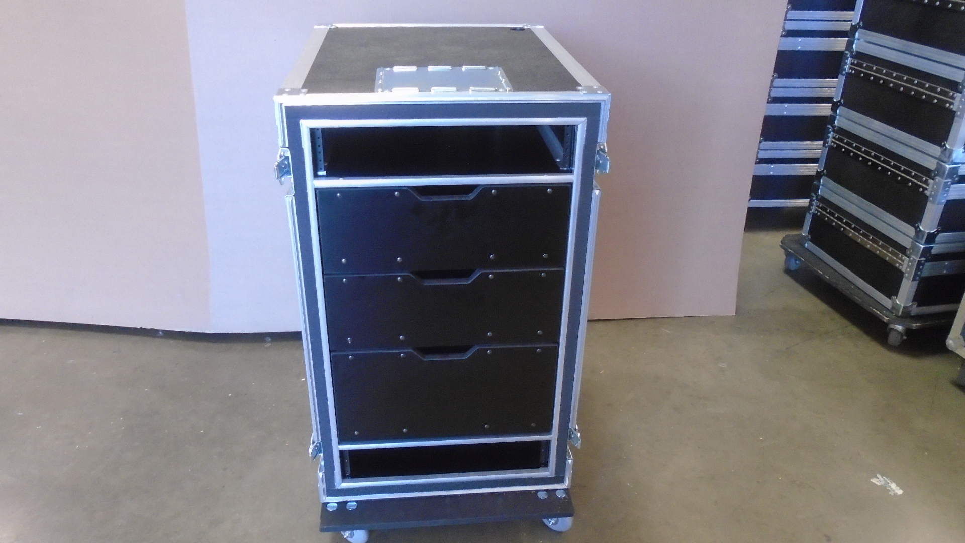 Print # 7723 - Custom 4-RU Shock Mount Road Rack with 3-Pack Custom Drawers By Nelson Case Corp