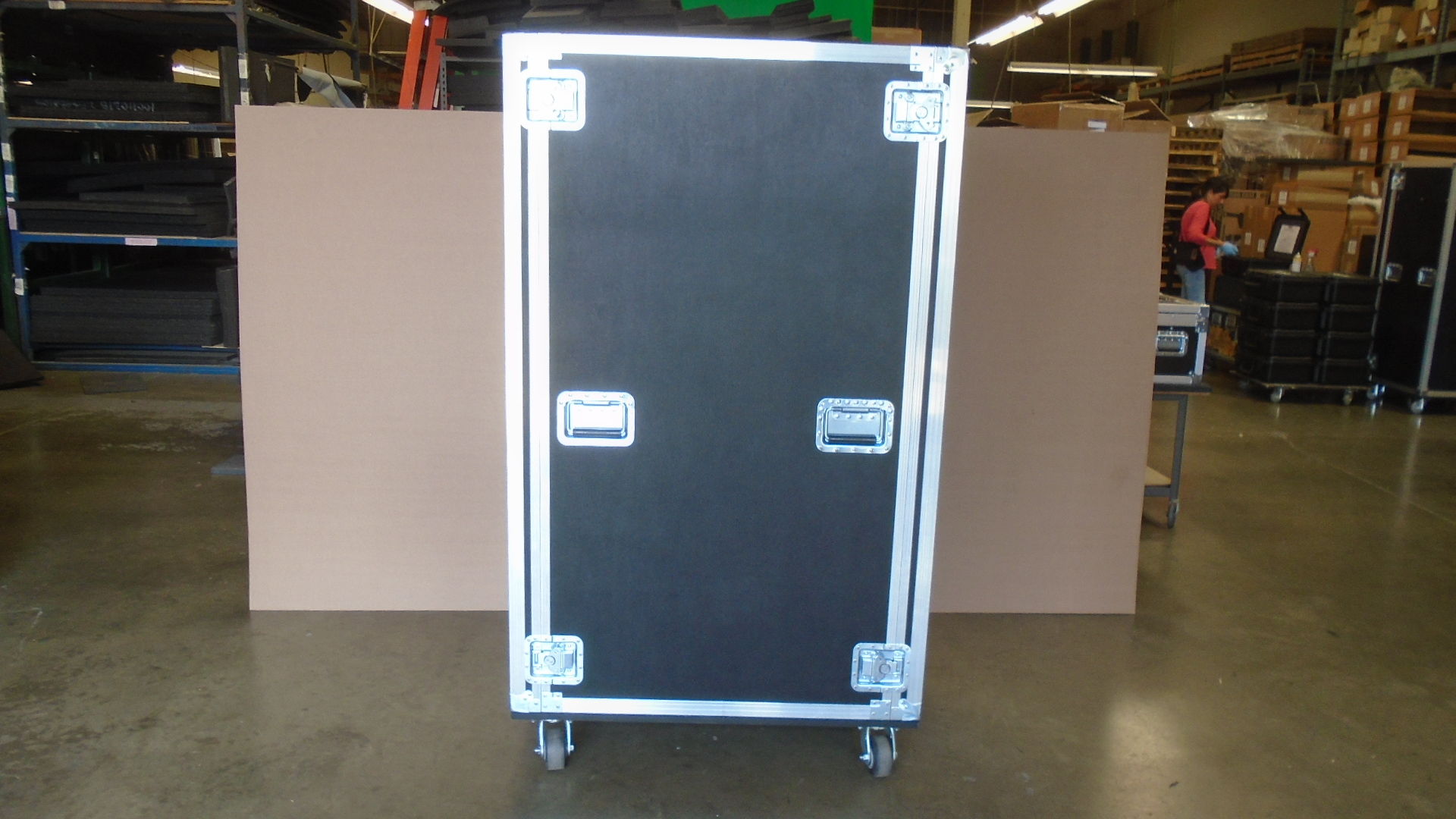 Print # 7734 - Custom 32-RU Shock Mount Road Case, 32'' Deep By Nelson Case Corp