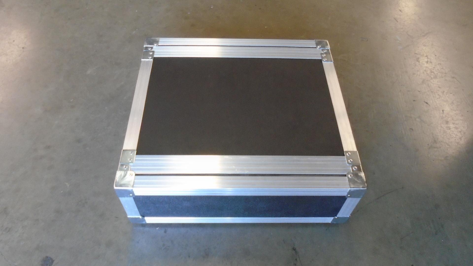 Print # 7740 - Custom 2-RU Shock Mount Road Rack Case By Nelson Case Corp