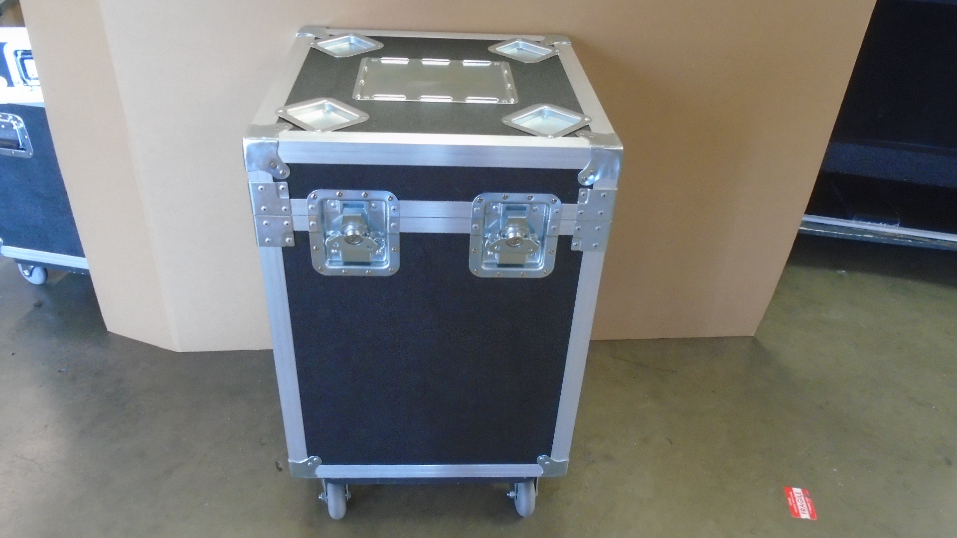 Print # 7743 - Custom Road Case for Trophy Unit By Nelson Case Corp