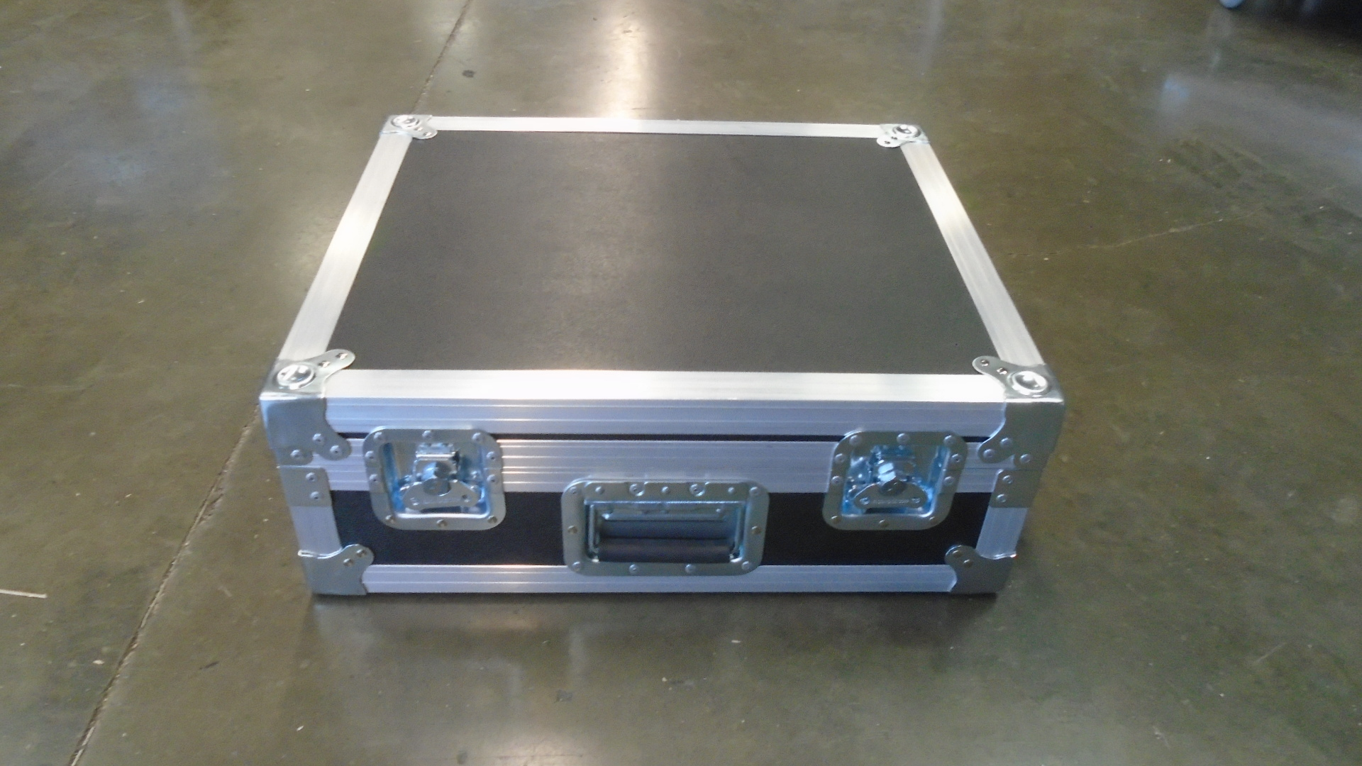 Print # 7754 - Custom Road Case for Shure ULXD4D Dual Channel Wireless Microphone Kit with ULXD1/ULXD2 Transmitters By Nelson Case Corp