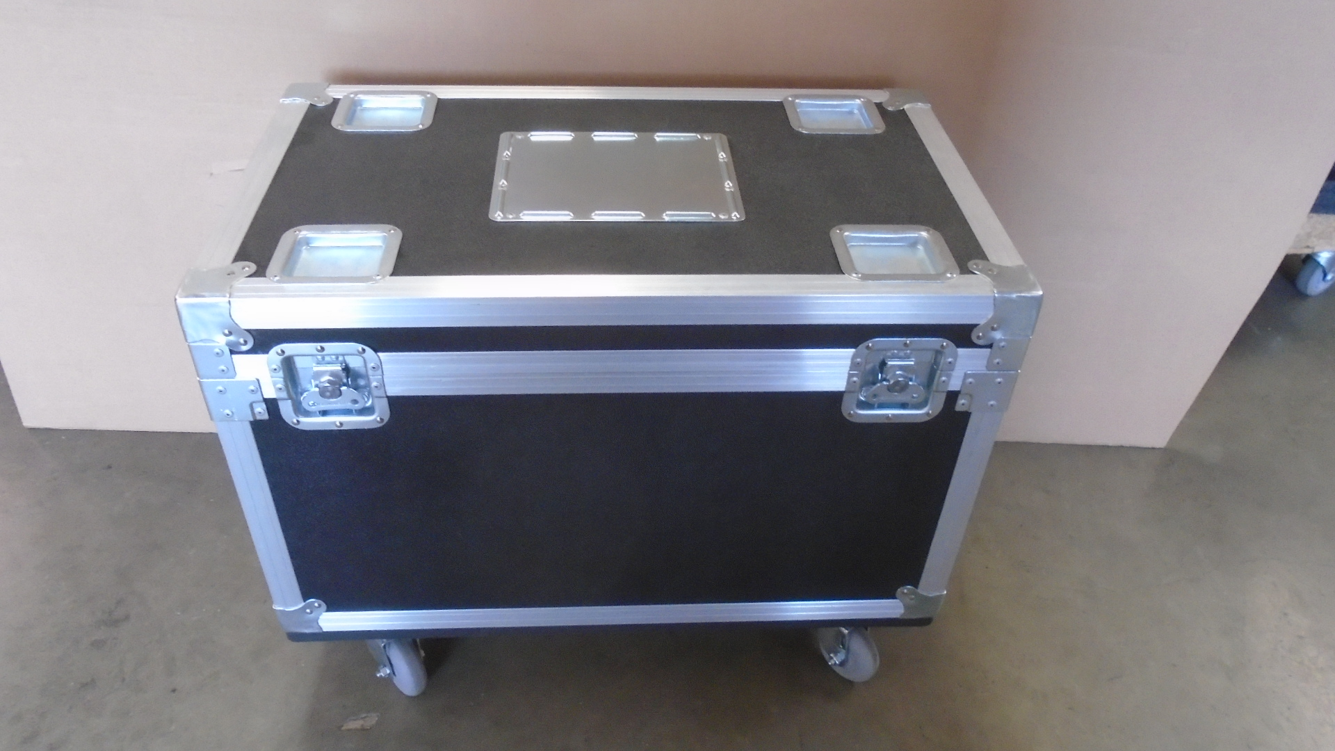 Print # 7782 - Custom Road Case for 2-Pack L'Acoustic Wifo Bumps By Nelson Case Corp